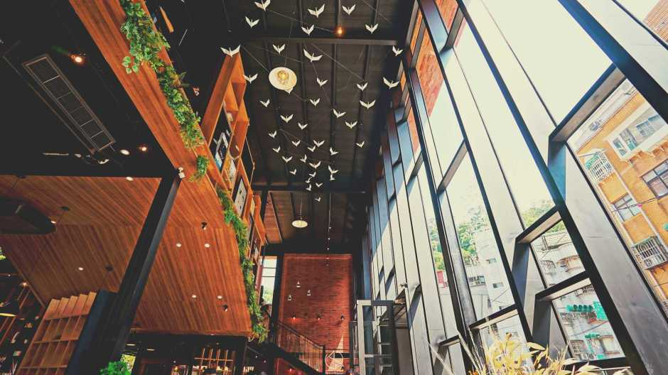 和平青鳥書店,捷運麟光站